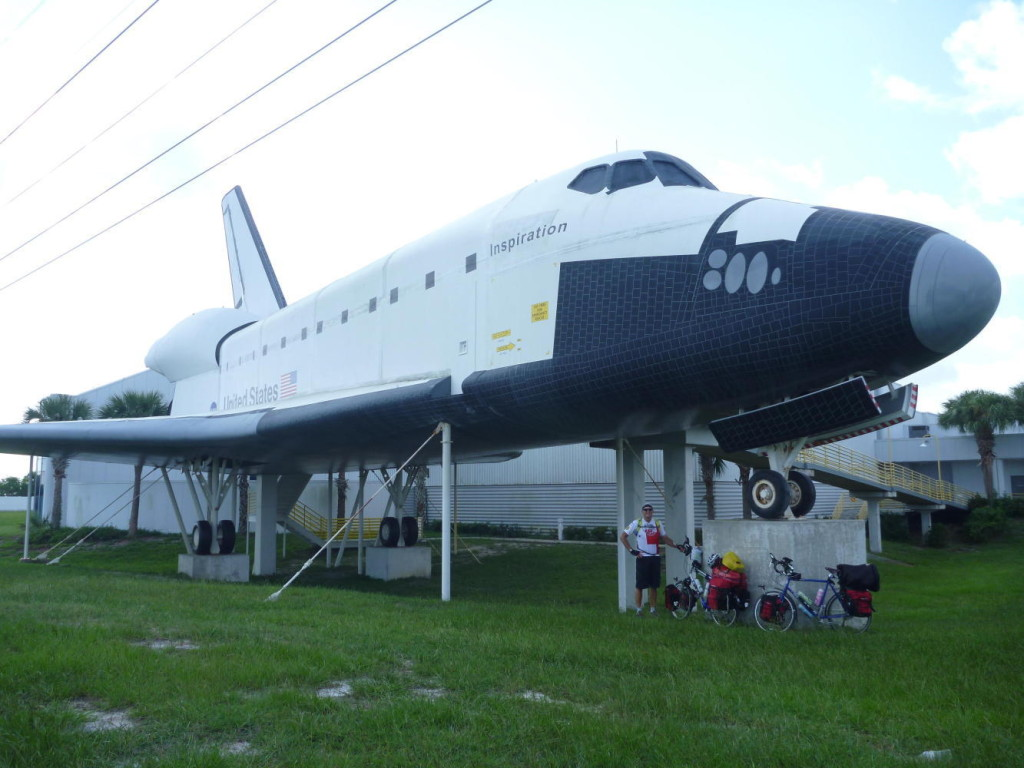 A final salute to the Space Shuttle.