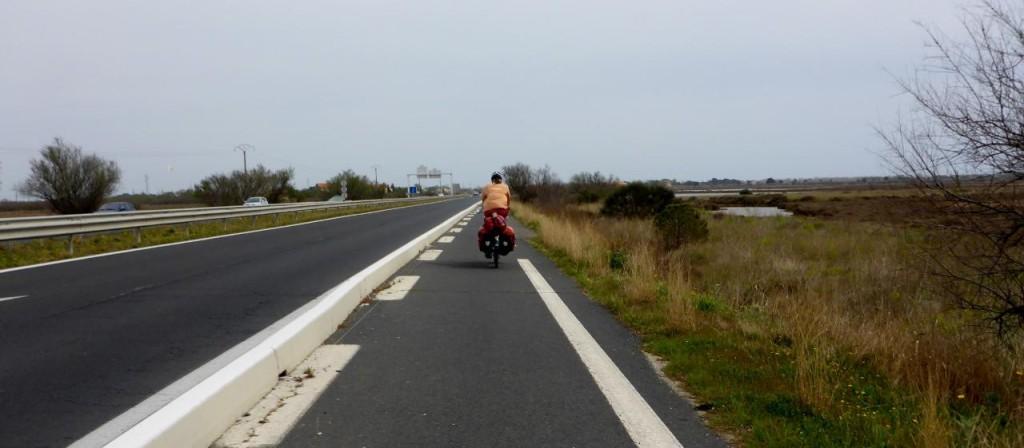 A proper bike path on a busy road.