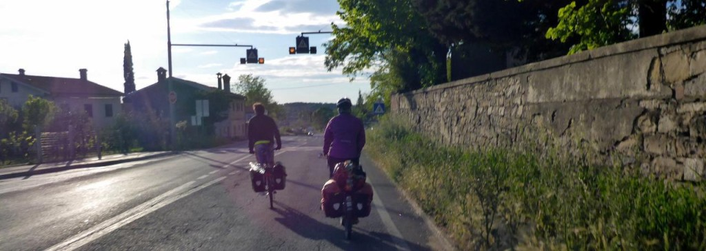 We met an Italian, Fransisco, who showed us the way to Koper, Slovenia by bike path.