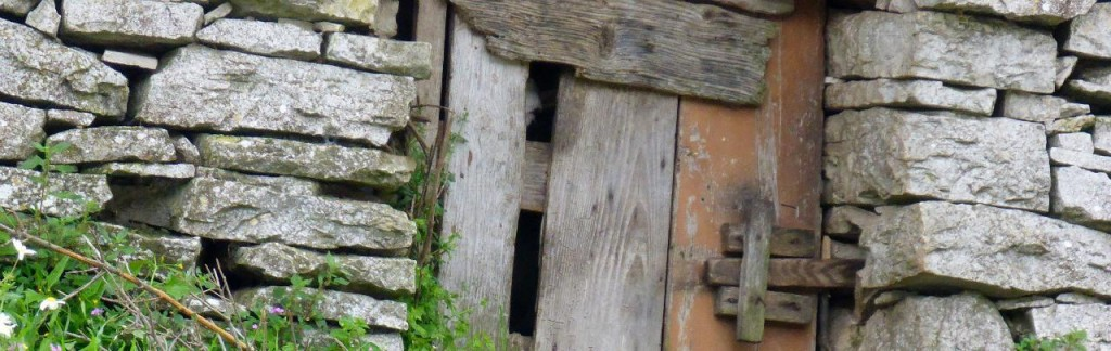a donkey shed. At first a bit creepy when we saw the eye appear. At first we thought it was someone staring at us.