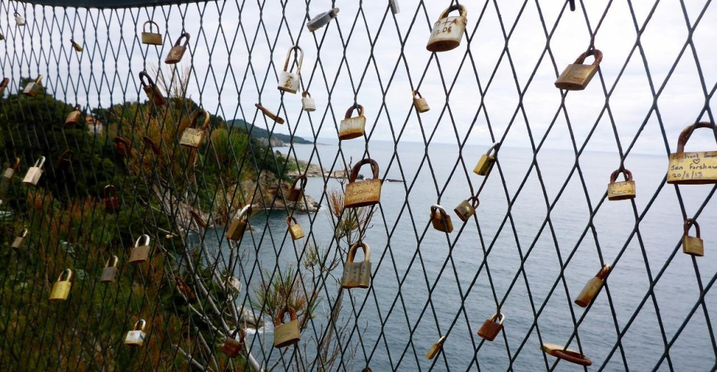 This is the second city we have seen locks with names on them. The first was Venice, Italy.
