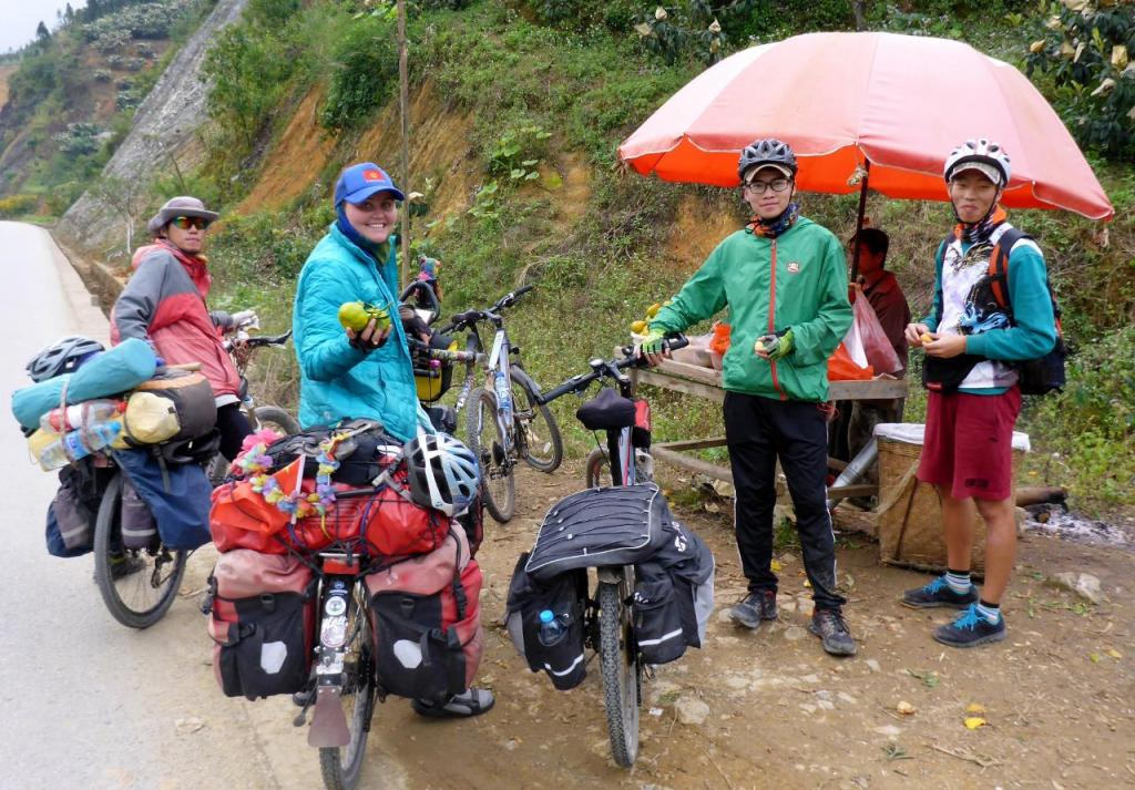 We met 3 Chinese cyclists on the road and enjoyed a fruit break with them. We and Wang and Samshi on the right continued to the next town and found a hotel at 9:30 pm - a long day. We then shared dinner and breakfast with them. Really nice guys who spoke excellent English.