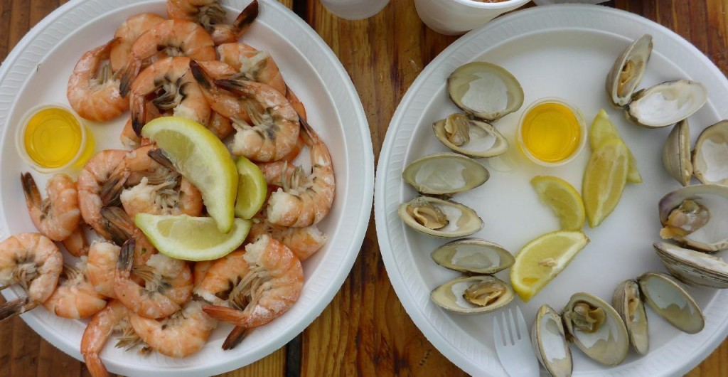 A delicious lunch of steamed shrimp and clams.