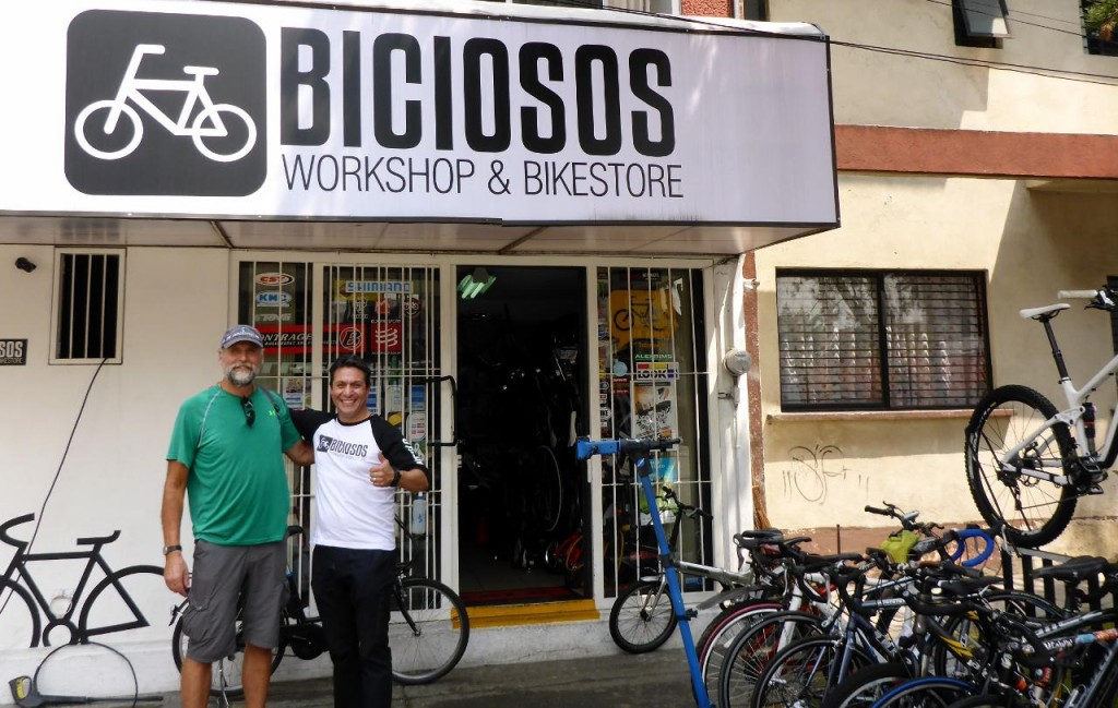 Great bike shop and Othon. Now we have two spare tires again. A real working bike shop.