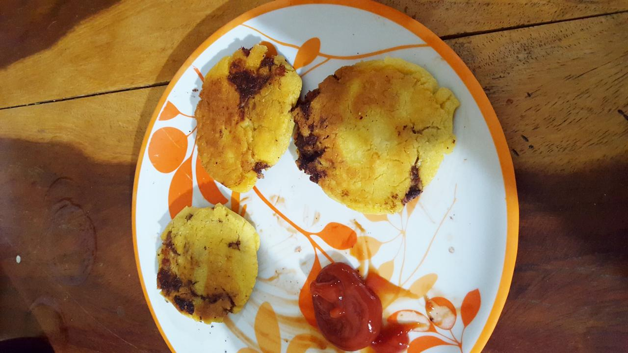 Arepas kind of like pupusas. Excellent.