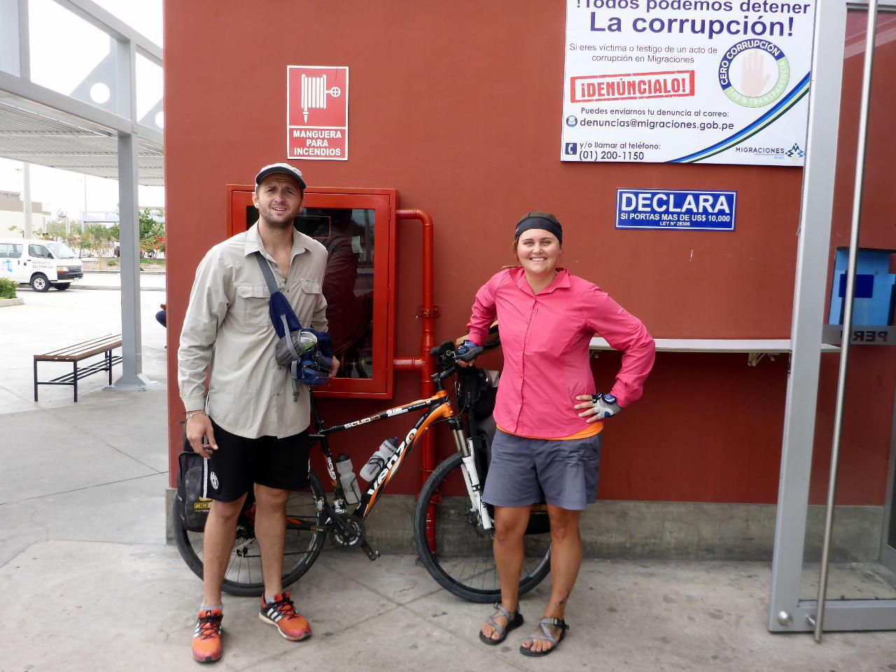We met Guntar from Argentina. He is riding to the Amazon River from Peru to (do you believe this?) build a boat to take him and his bike 4,000 km to the Atlantic! Now that's adventure at its finest!